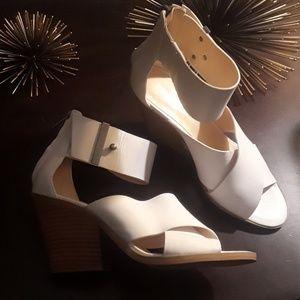 "NWOT ""Nine West"" White Sandals"